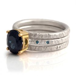 hammered 3 ring set with blue sapphire and diamonds